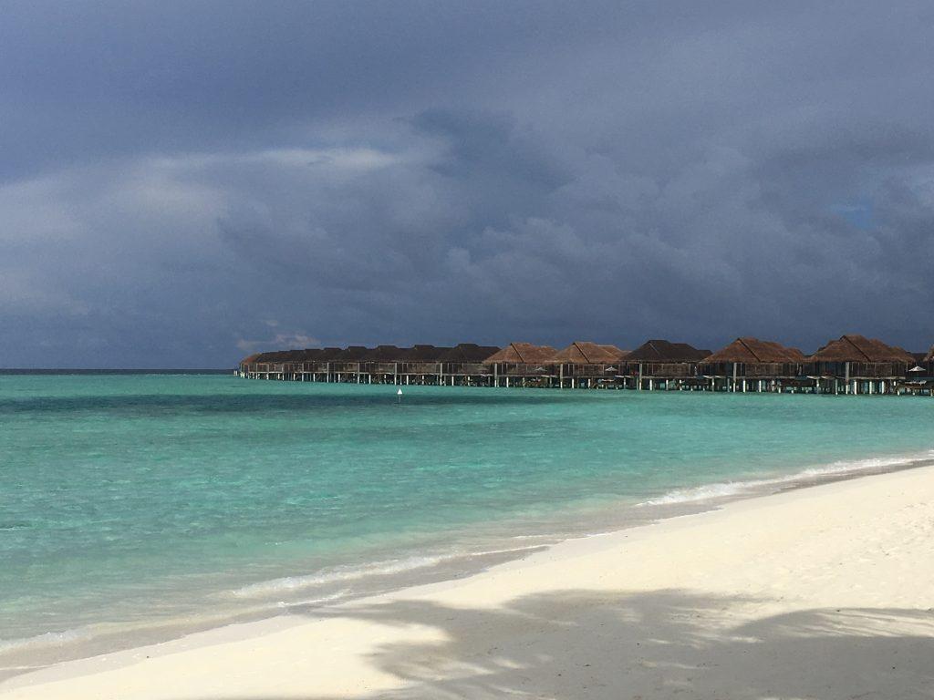 Anantara Kihavah MaledivenOverwater Pool Villen